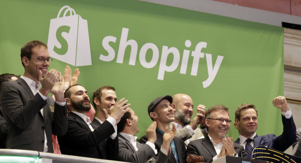APTOPIX Financial Markets Wall Street Shopify IPO