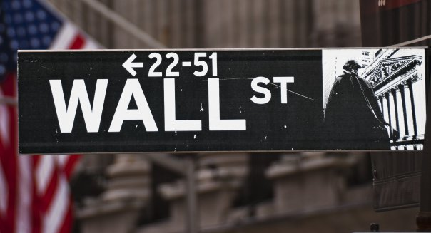 sign on wall street in new york ...
